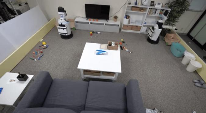 Роботов научили сообща делать уборку