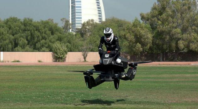 Полиция Дубая начала тестировать российский летающий мотоцикл