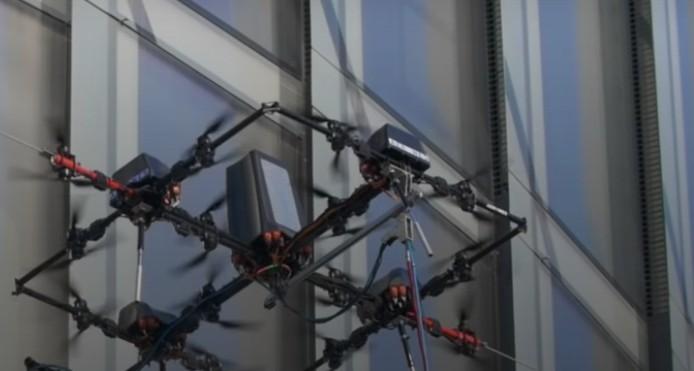 В Латвии дроны заменят мойщиков окон