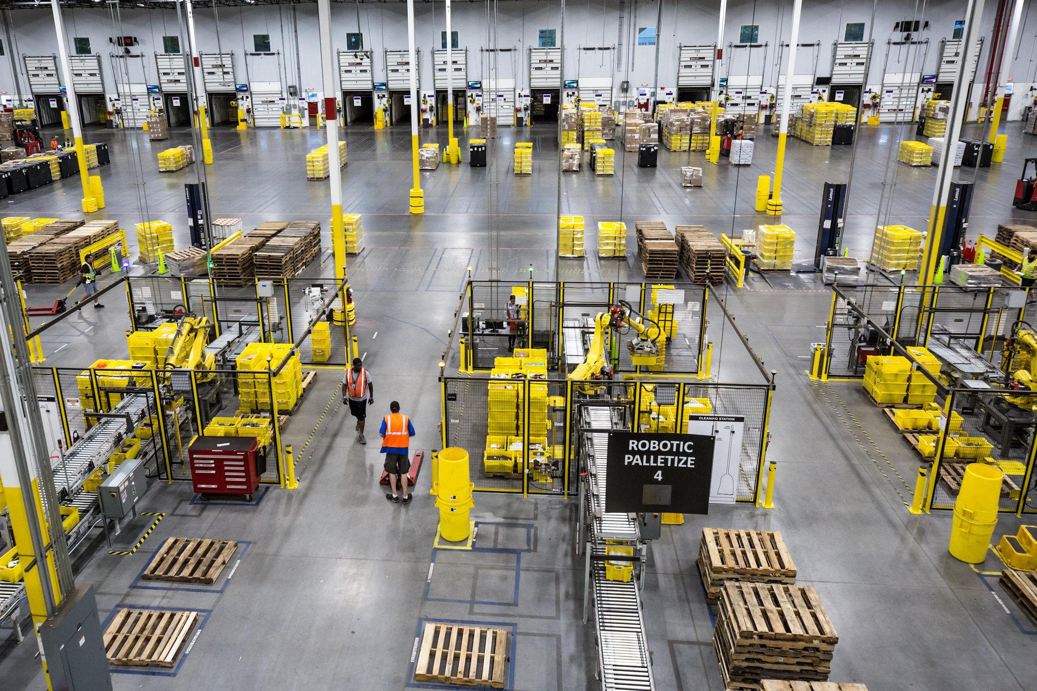 Новый виток роботизации Amazon: роботы-упаковщики заменят людей