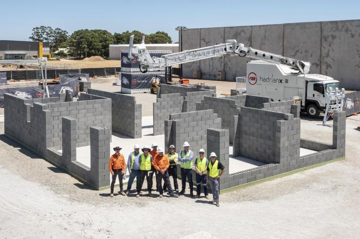 Робот-каменщик за час заменяет день работы двух строителей