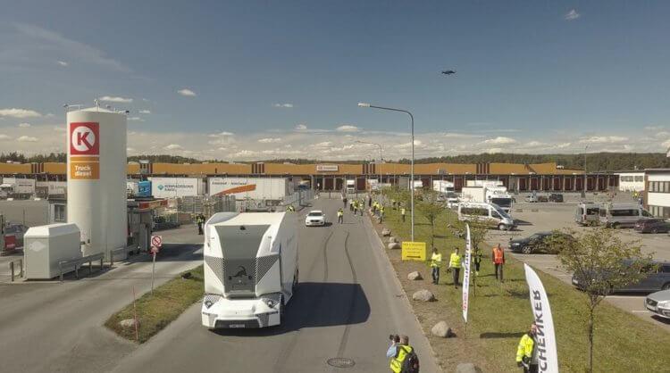 На дороги Швеции вышел грузовик с 4 уровнем автономности